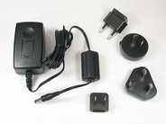 International power supply, shown with different plugs