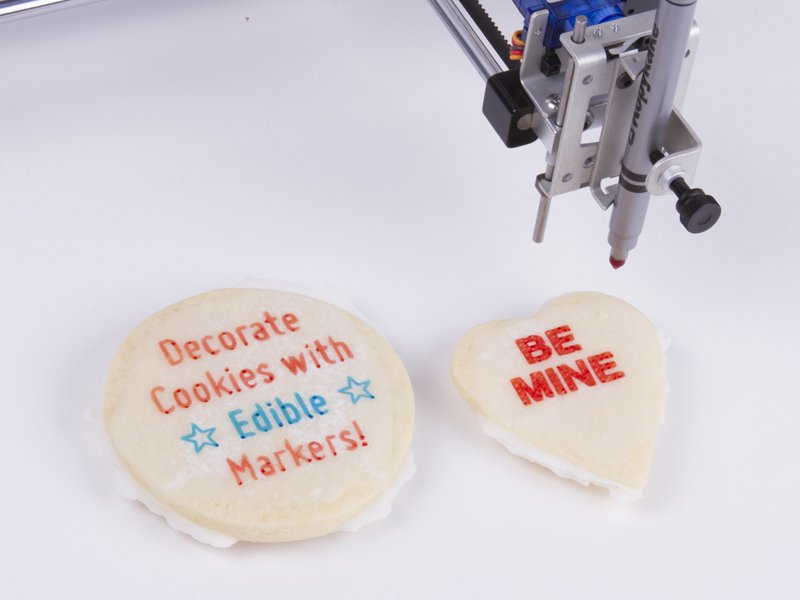 Writing on cookies, with edible markers